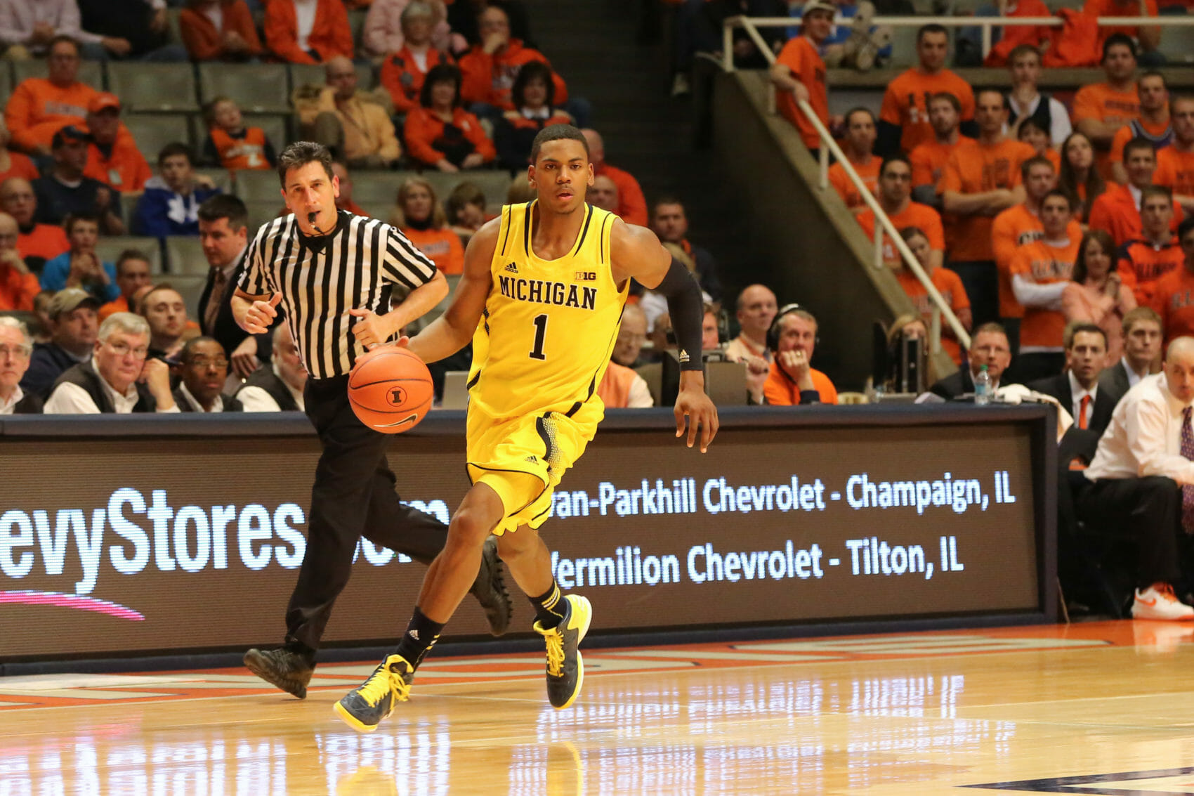 Michigan 74, Illinois 60-30