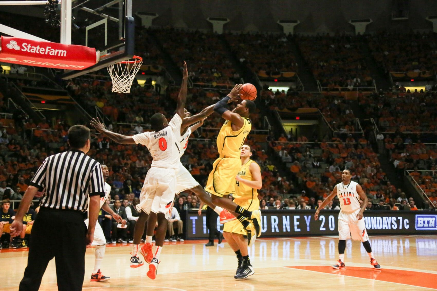 Michigan 74, Illinois 60-22