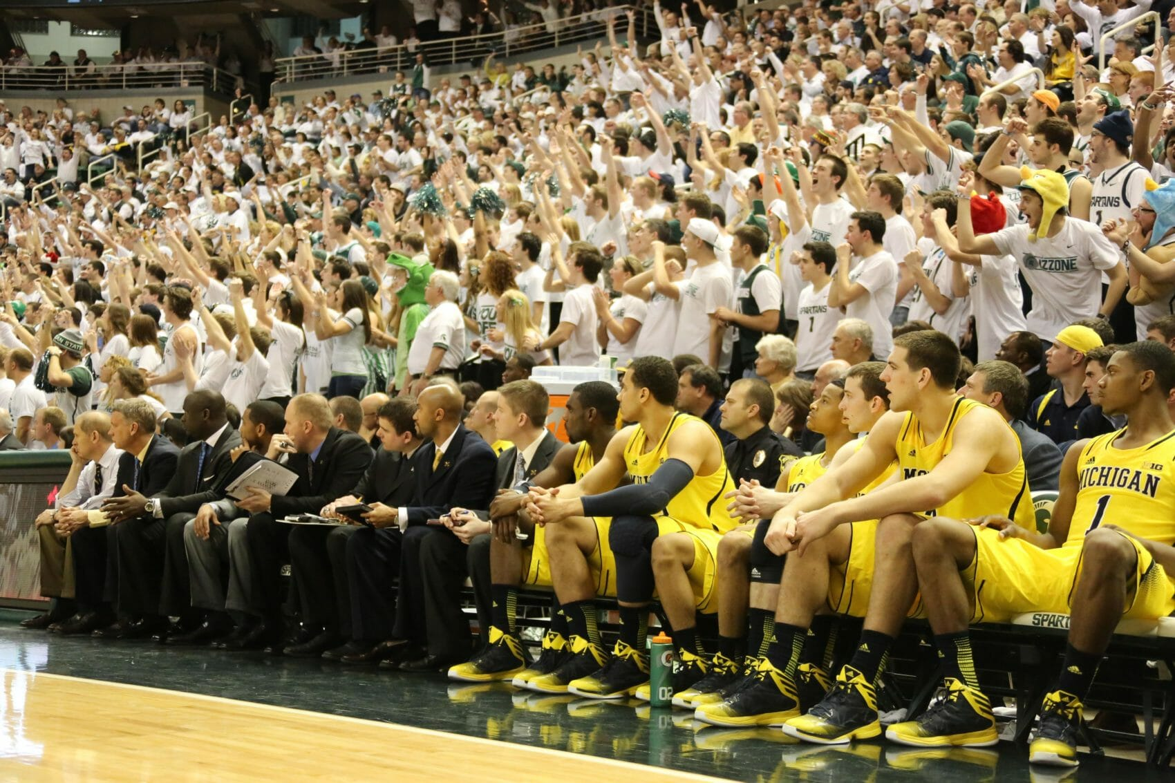 Michigan State 75, Michigan 52-31