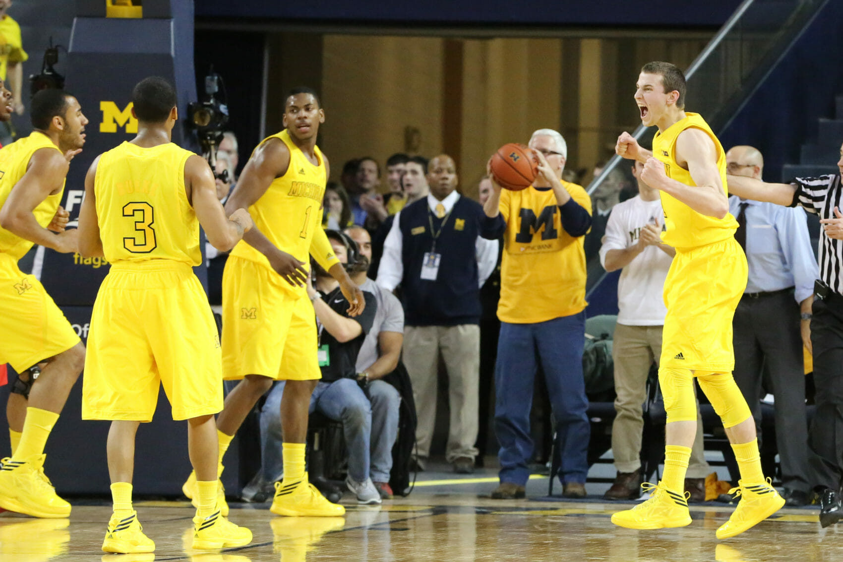 Michigan 76, Ohio State 74 (OT)-17