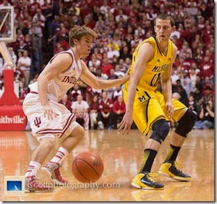 Indiana-81-Michigan-73-_15_thumb.jpg