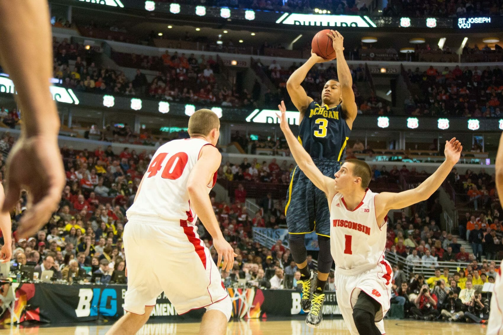 Wisconsin 68, Michigan 59-5
