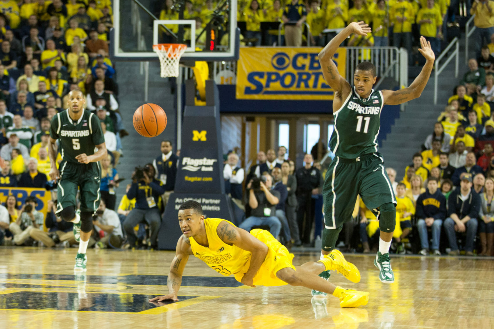 Michigan 58, Michigan State 57-20
