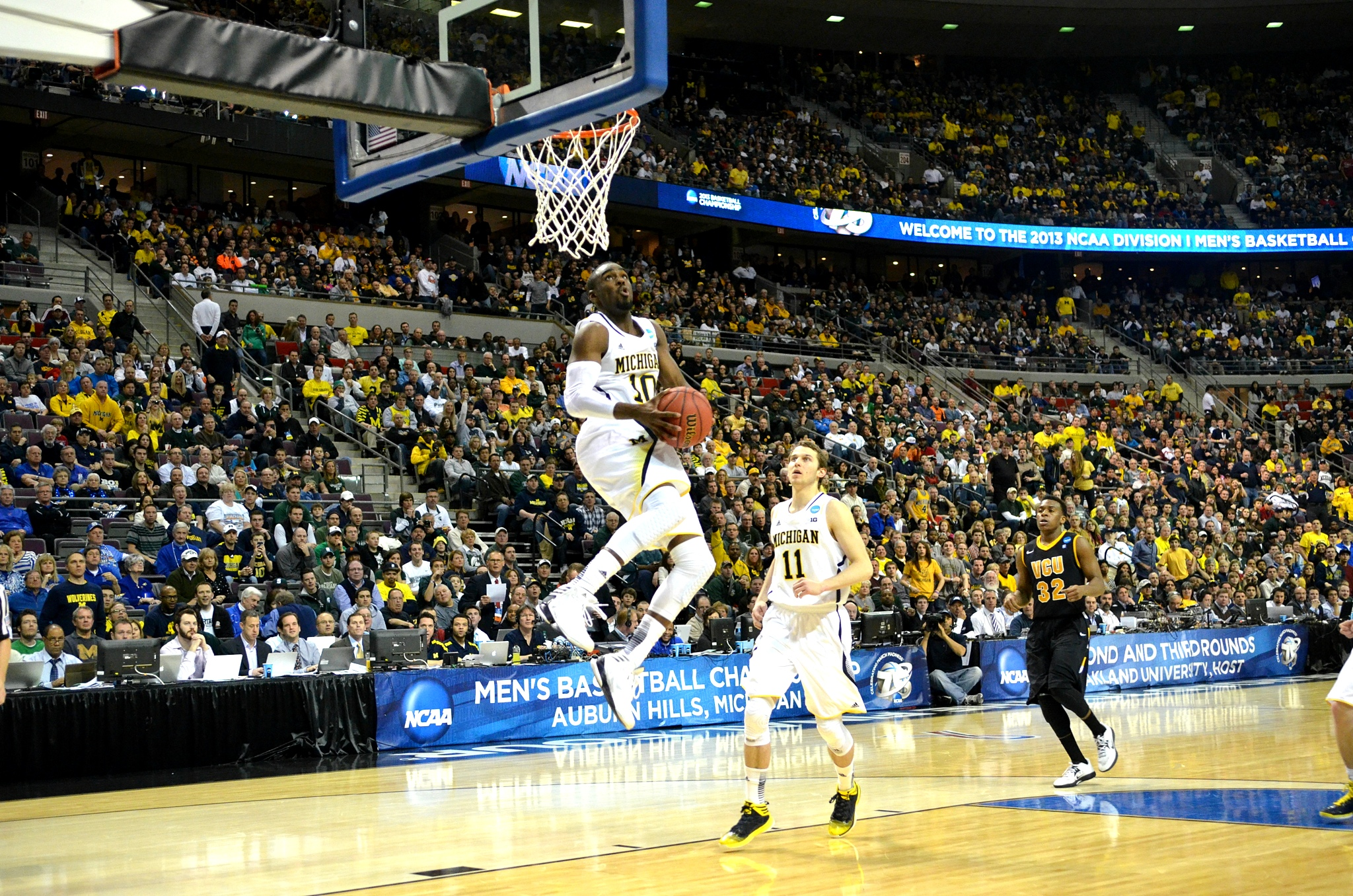 Tim Hardaway Jr. with the show time dunk against VCU