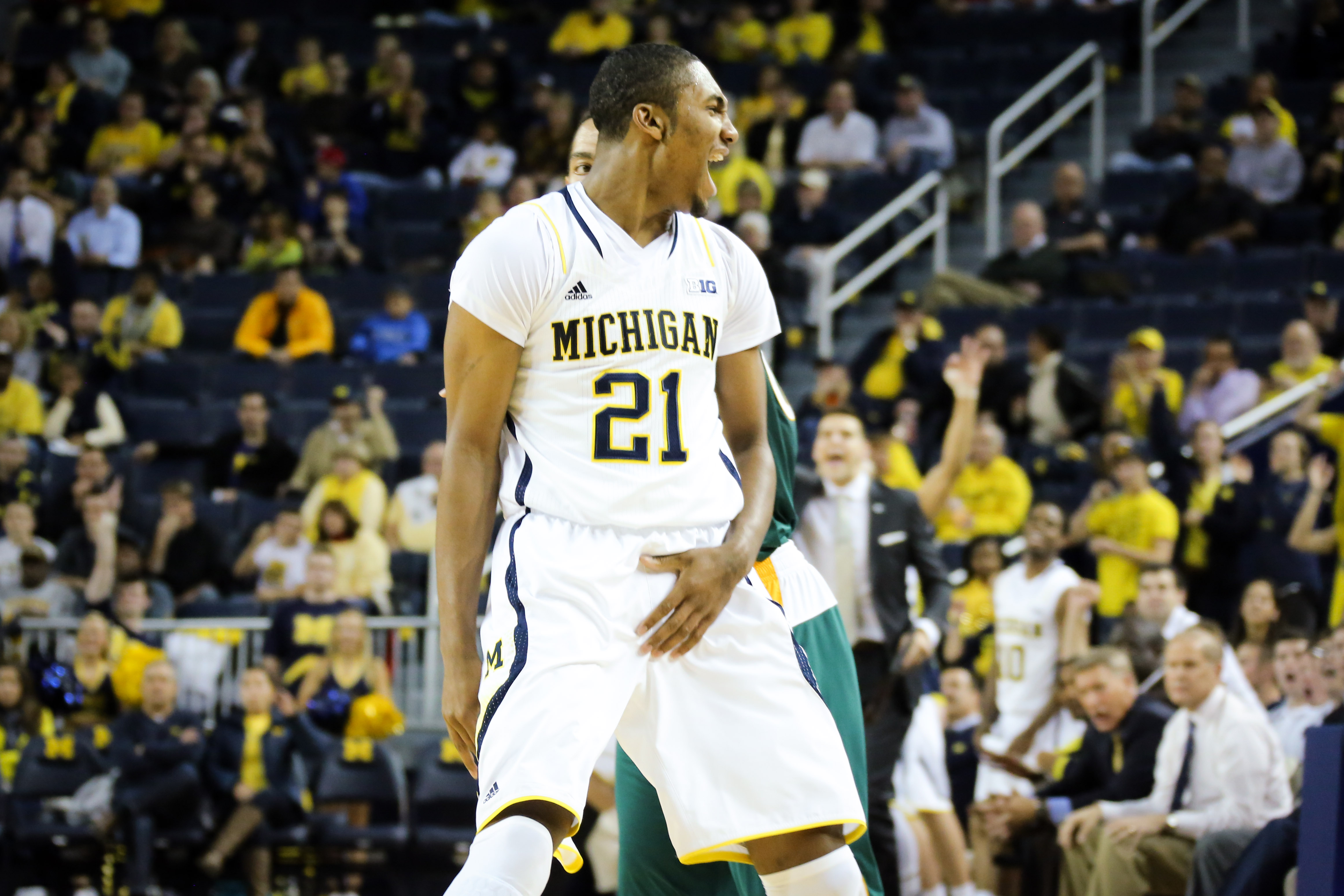 Michigan 79, Wayne State 60-7
