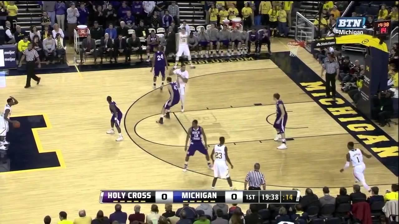 Five Key Plays: Holy Cross at Michigan