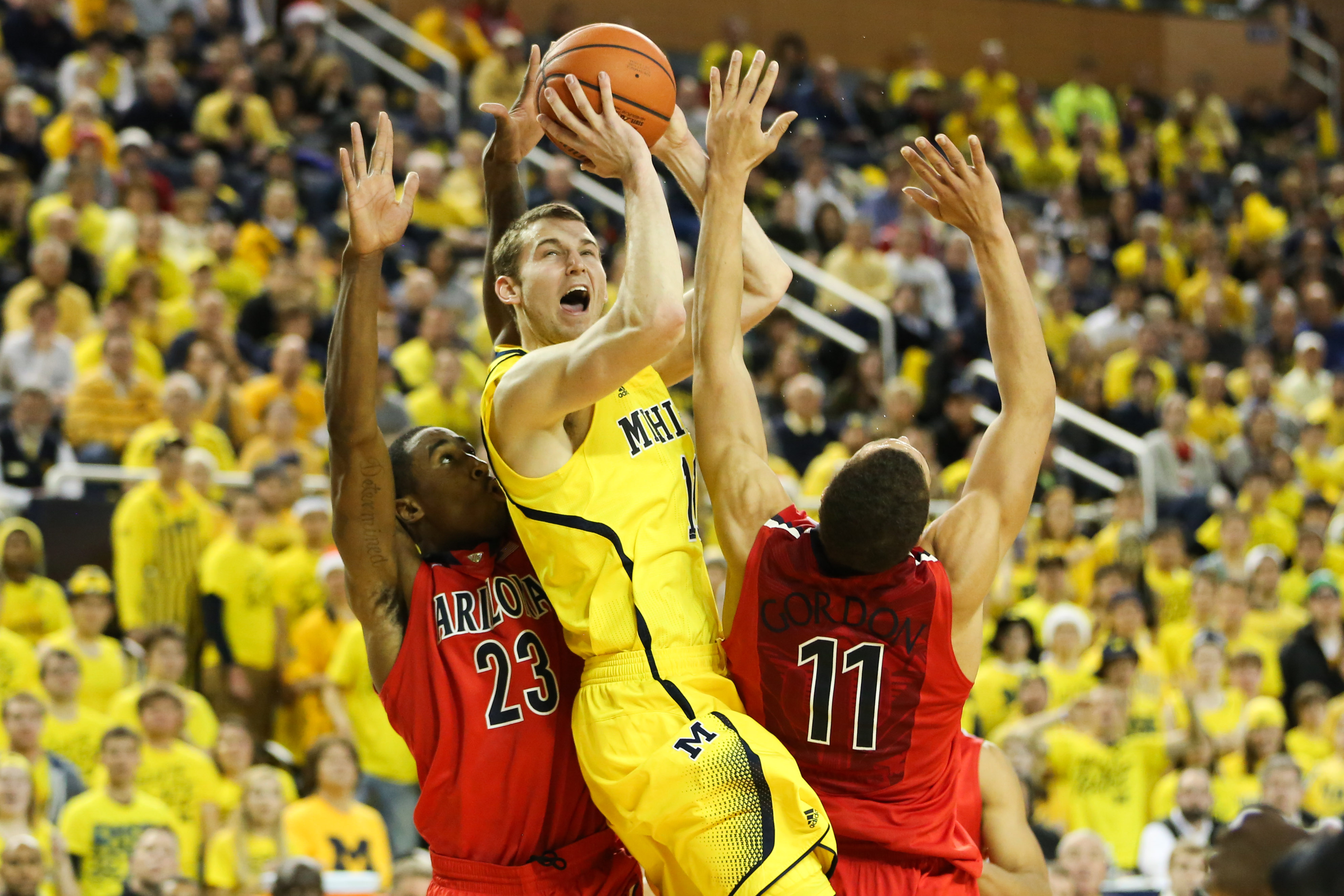 Michigan 70, Arizona 72-24