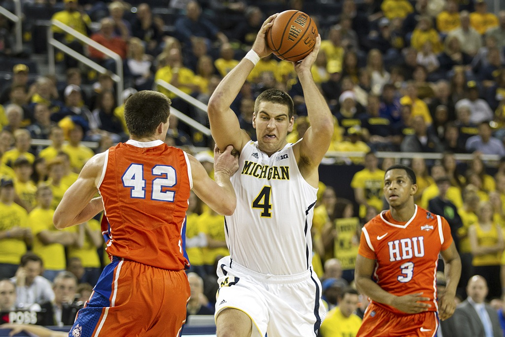 Michigan-vs-Houston-Baptist_13.jpg
