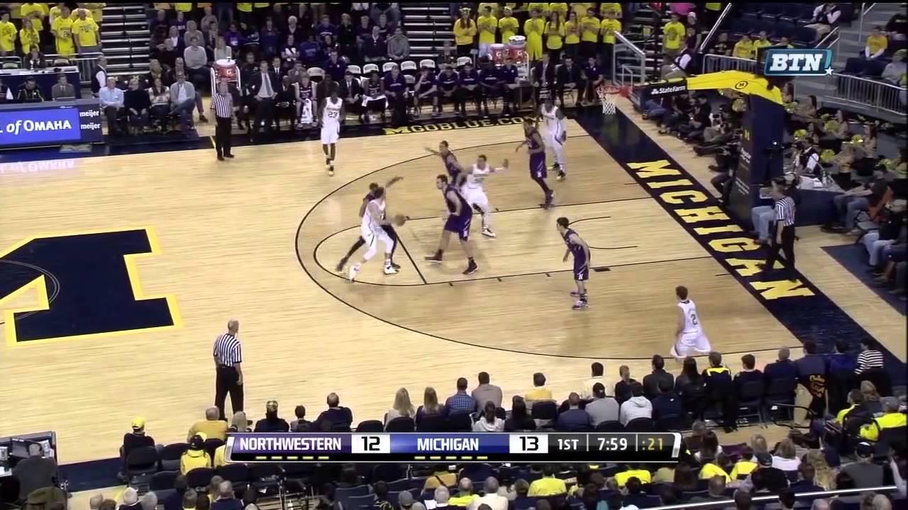 Inside the Play: Nik Stauskas demonstrates versatility with ball screens, handoffs