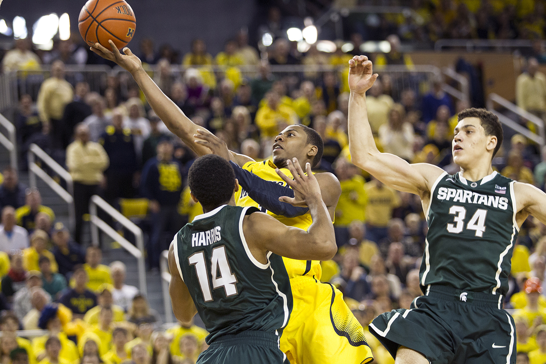 Michigan vs Michigan State_35