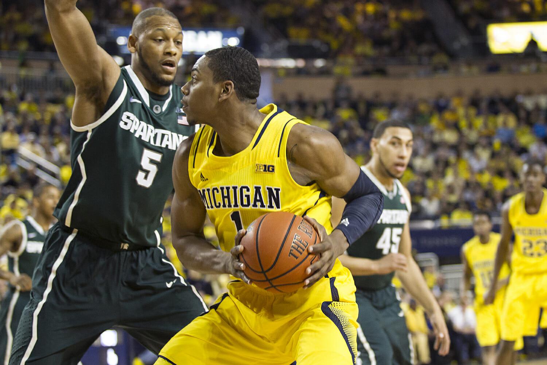 Michigan vs Michigan State_6