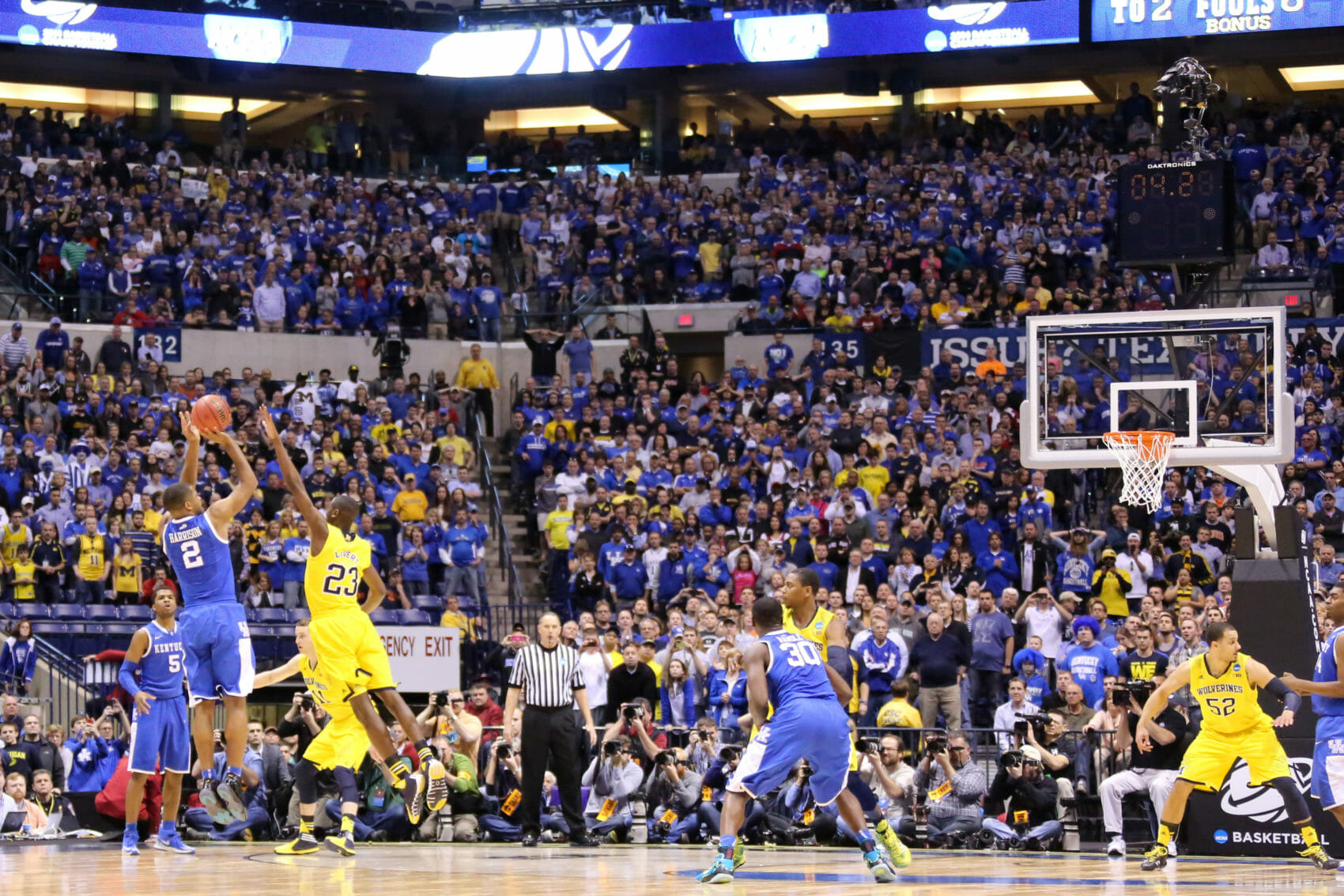 Kentucky 75, Michigan 72-41