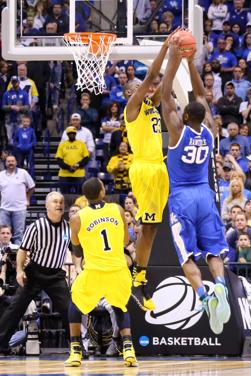 Kentucky 75, Michigan 72-26