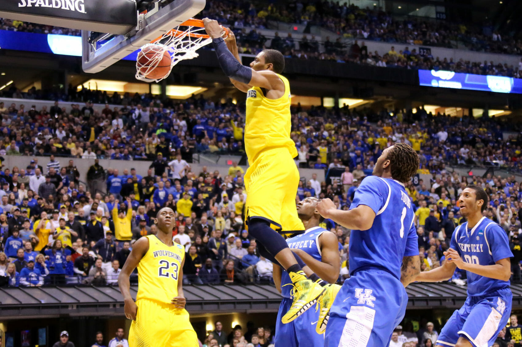 Kentucky 75, Michigan 72-25