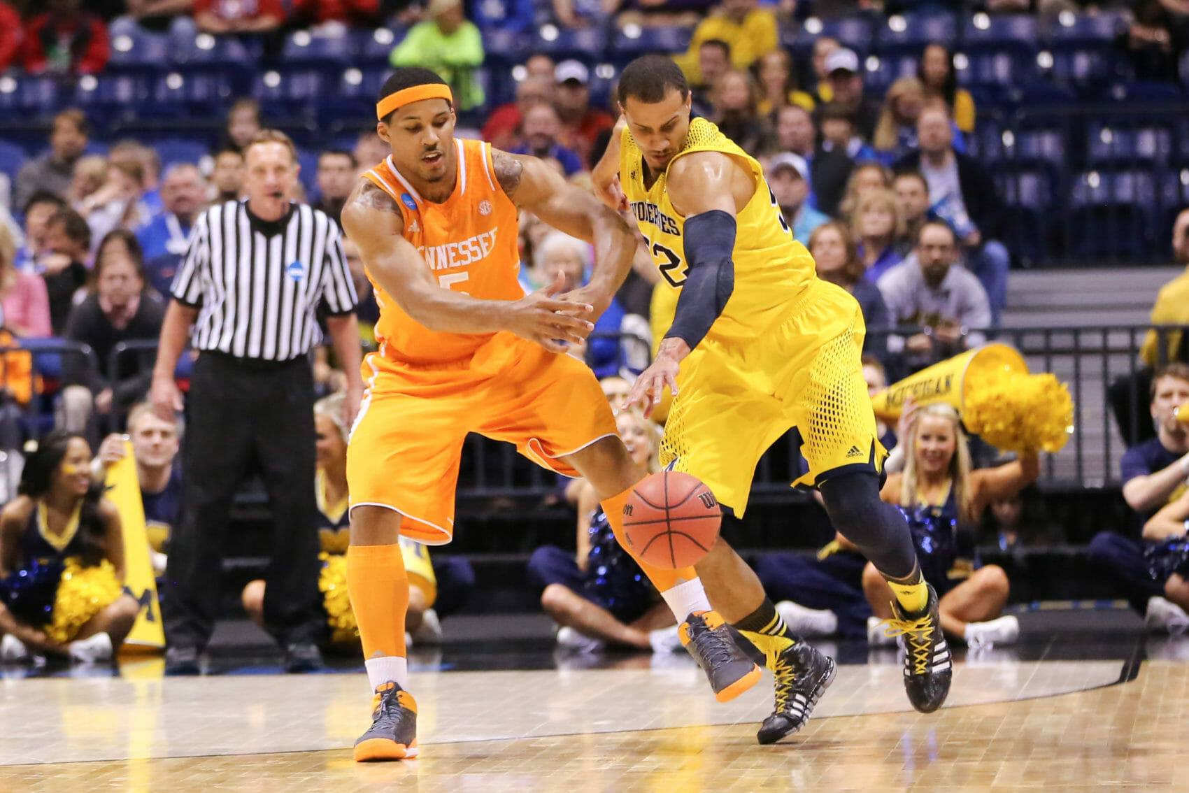 Michigan 73, Tennessee 71-15