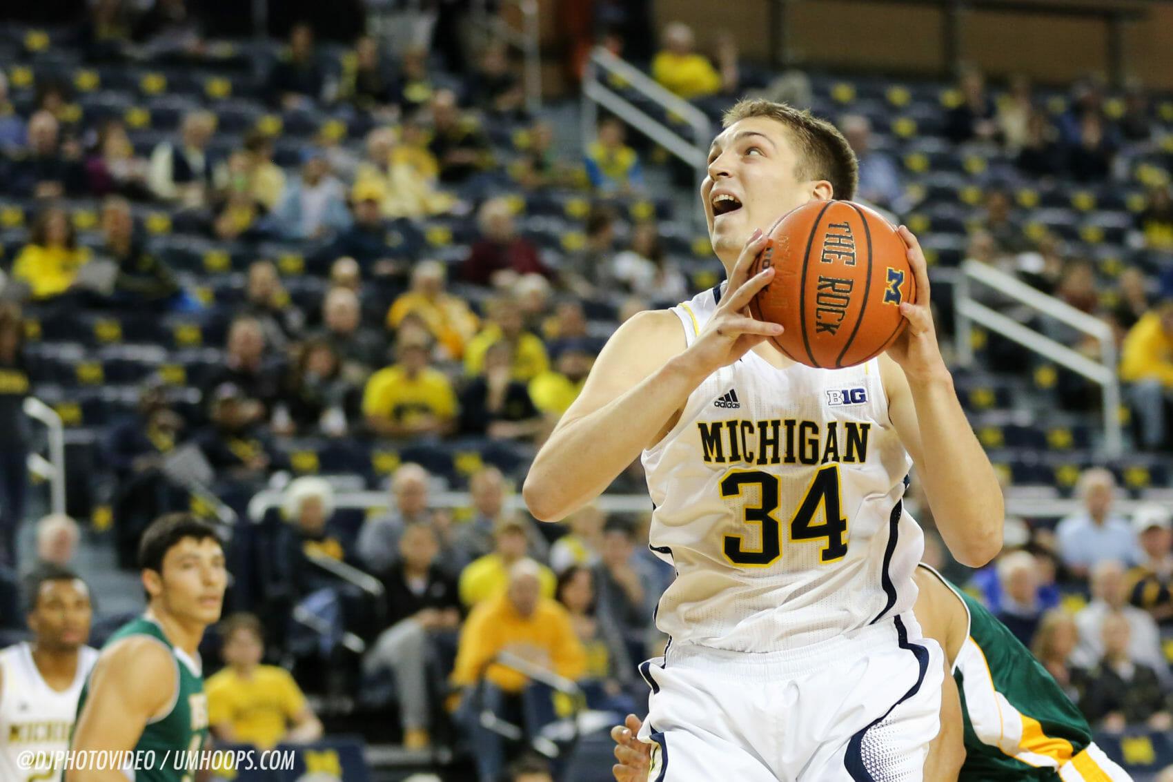 Michigan 86, Wayne State 43-3