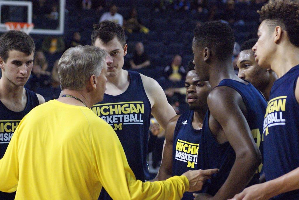 Michigan-Basketball-Open-Practice-_6[1]