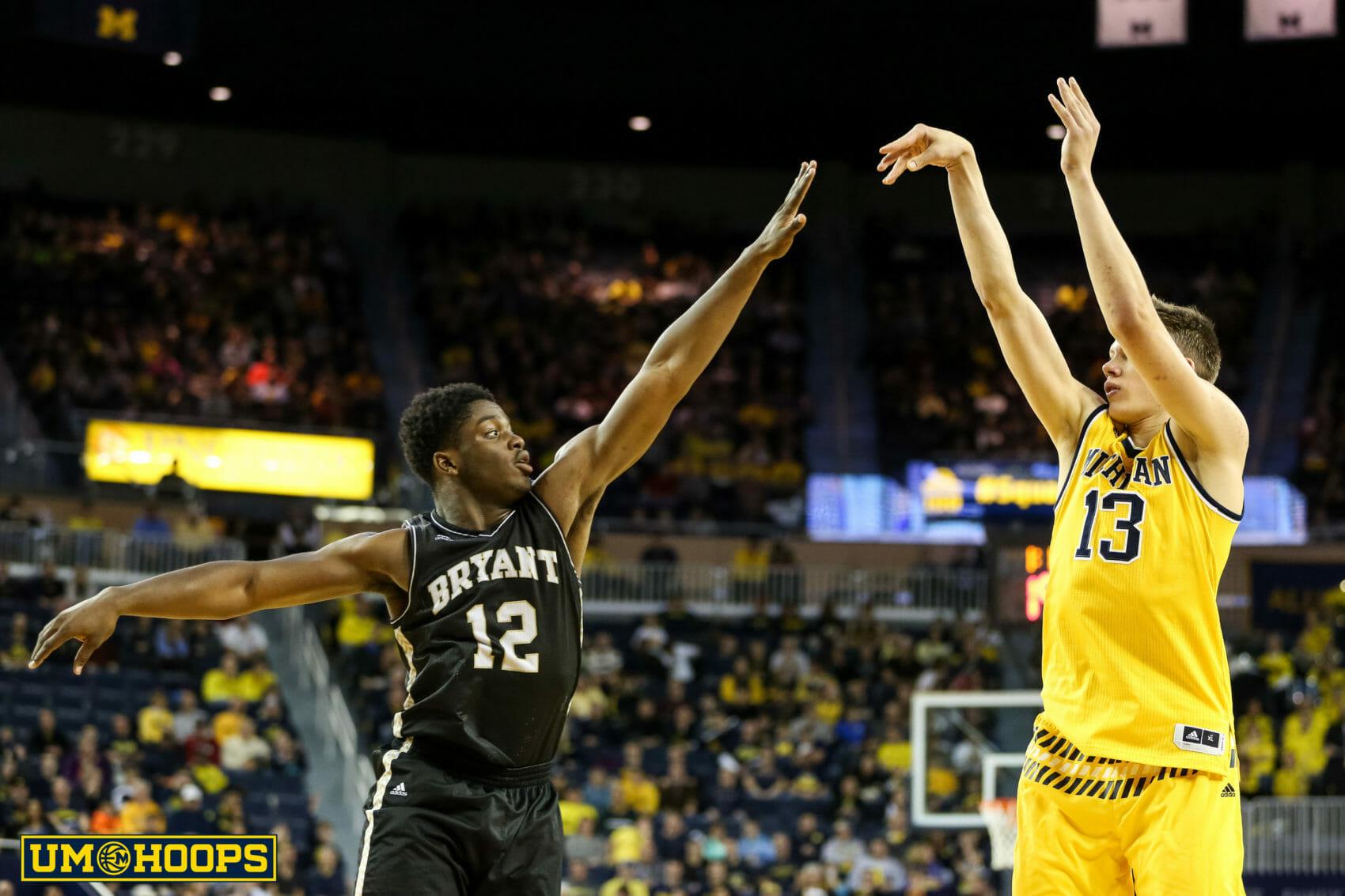 Michigan 96, Bryant 60-29