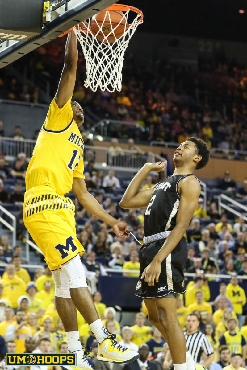 Michigan 96, Bryant 60-27