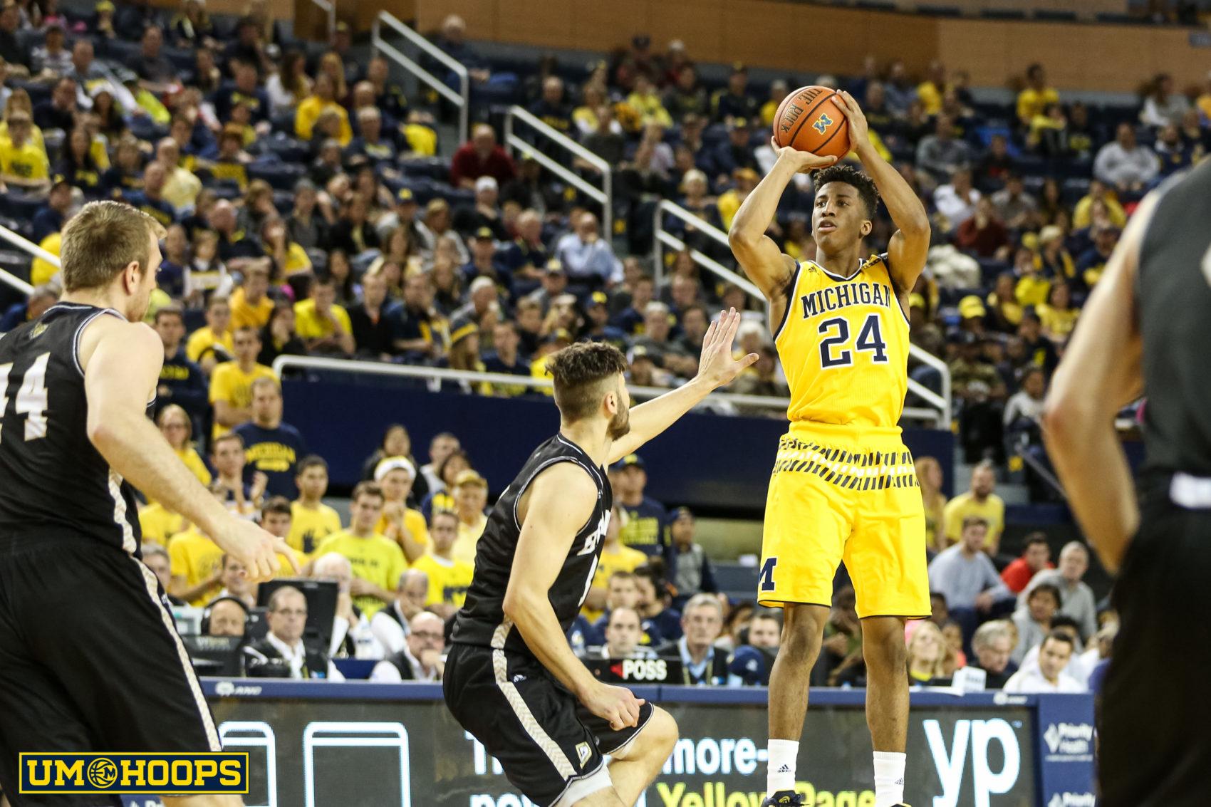 Michigan 96, Bryant 60-23