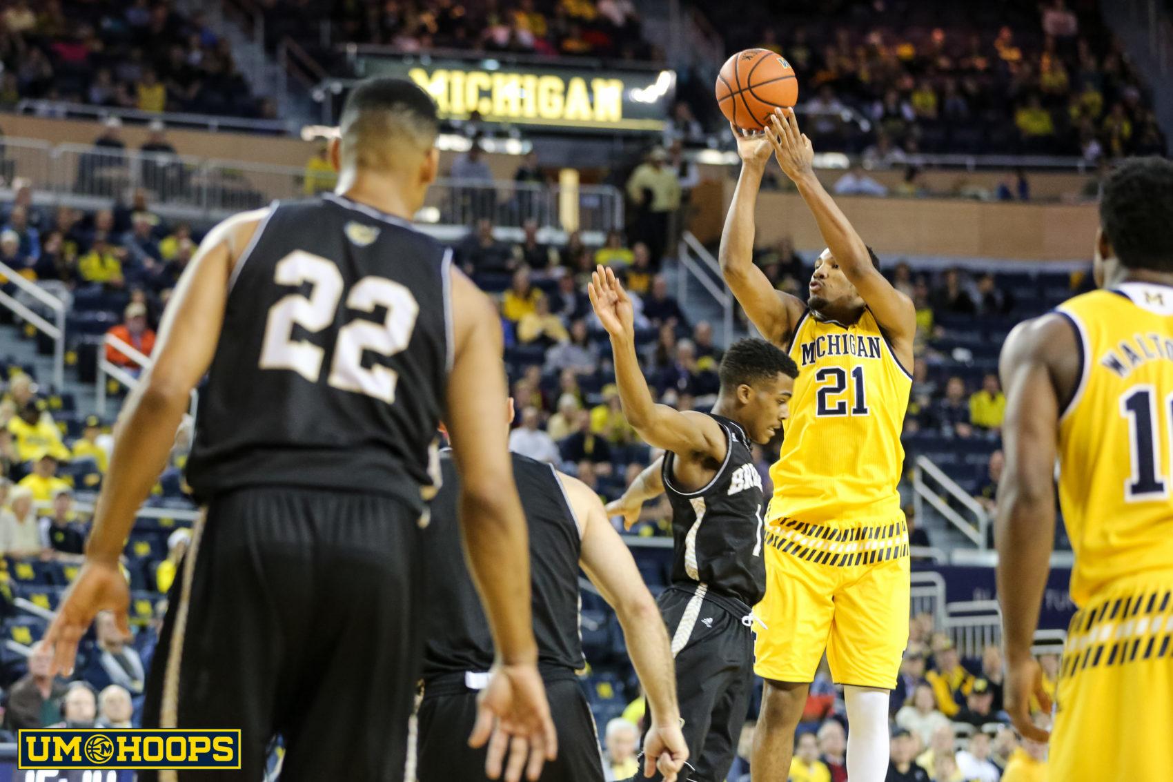 Michigan 96, Bryant 60-3
