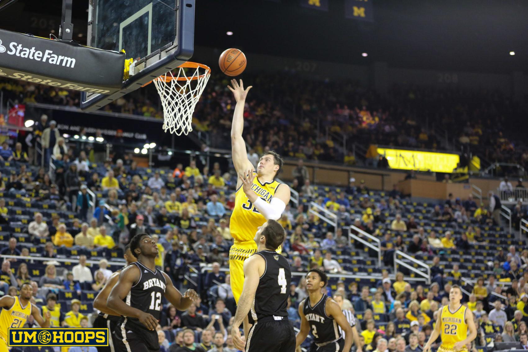 Michigan 96, Bryant 60