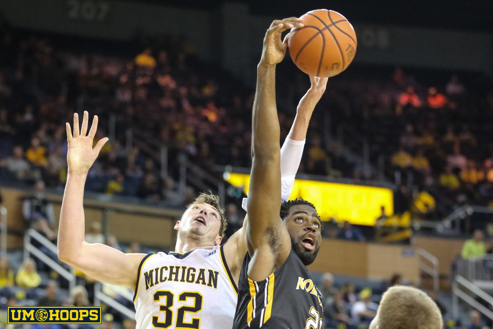 Michigan 77, N Kentucky 62-19