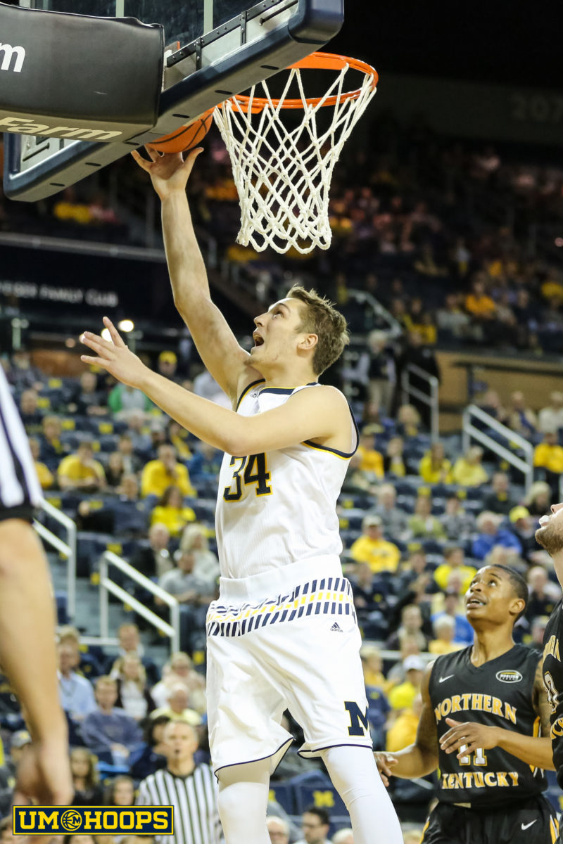 Michigan 77, N Kentucky 62-10