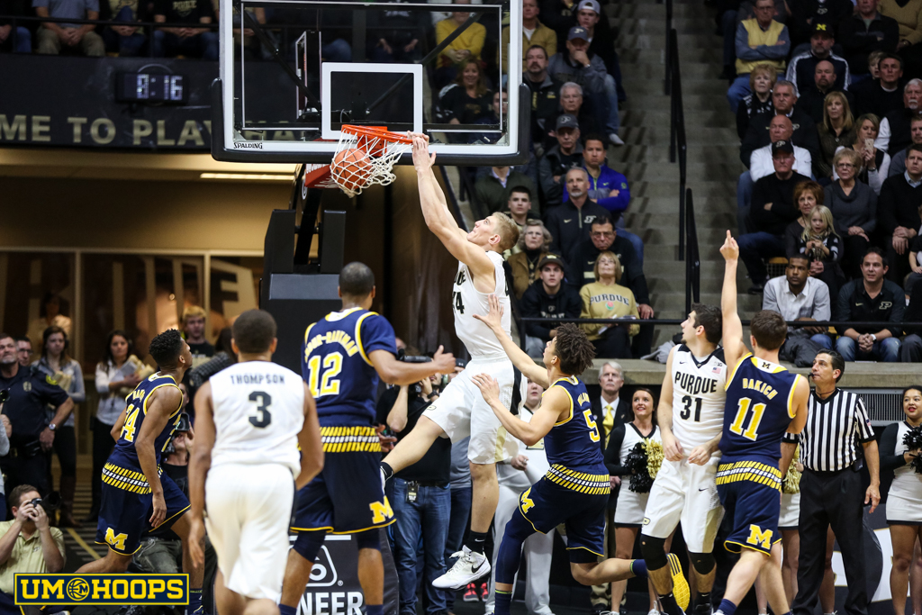 Purdue 87, Michigan 70-18