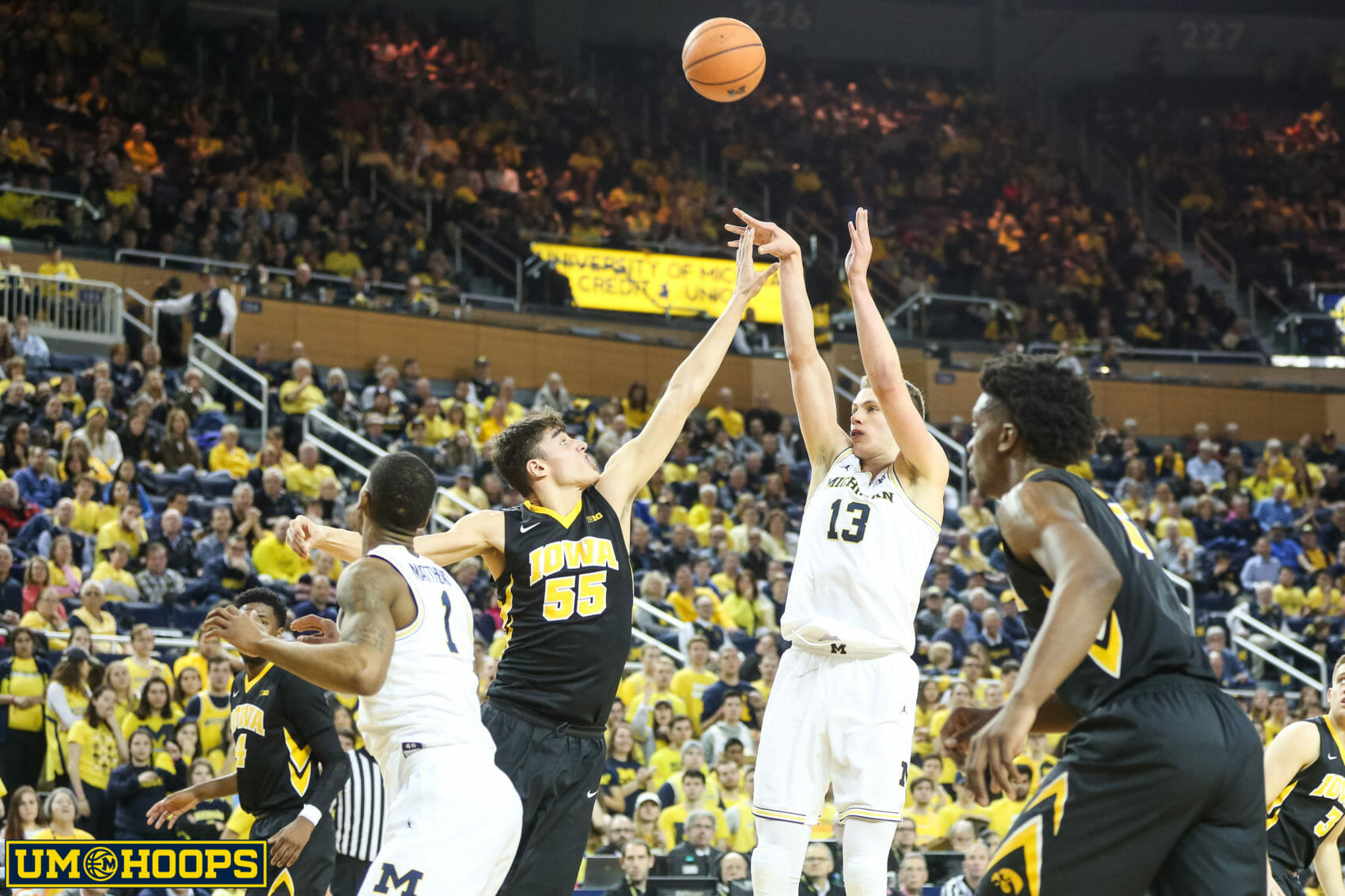 Michigan 74, Iowa 59-16